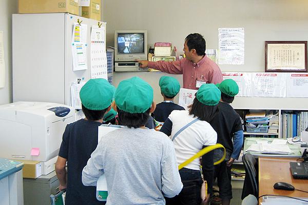 モービル中村町SSを小学生が見学しました
